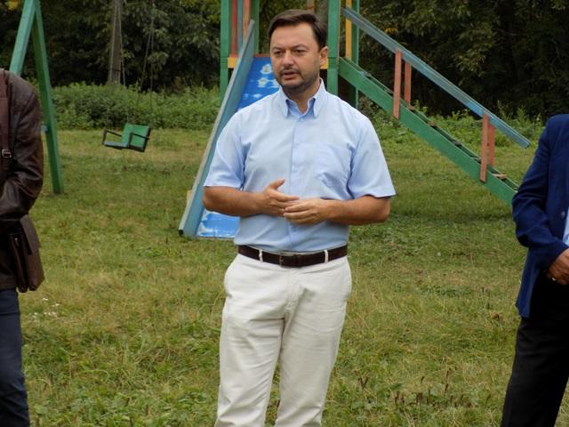 Як виконують свої обіцянки мажоритарники Івано-Франківської області?