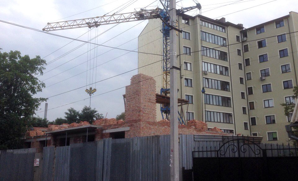 Через тотальну забудову міста івано-франківські активісти б'ють на сполох