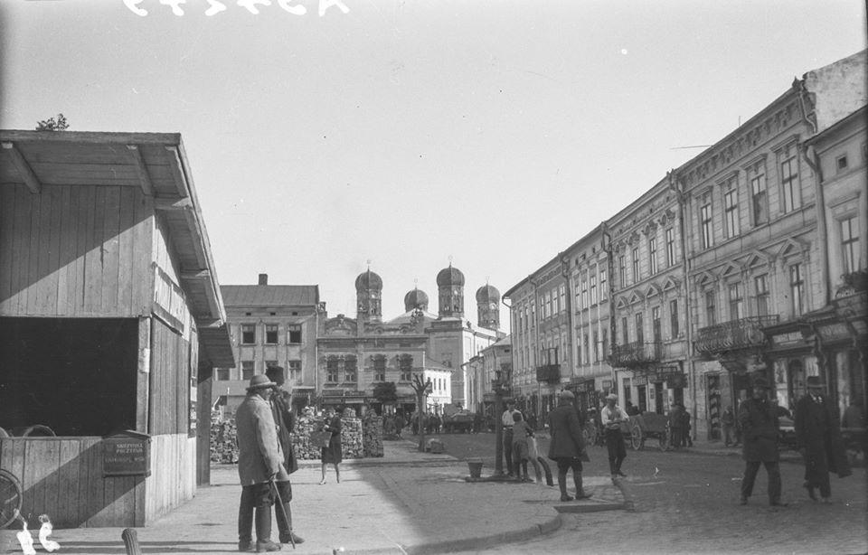 В мережі з'явилися унікальні світлини Івано-Франківська міжвоєнного періоду (фото)