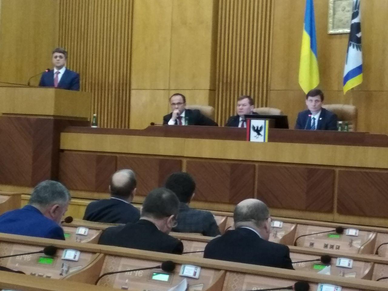Кнопкодавство в облраді: прикарпатські депутати мусили двічі голосувати за одне питання