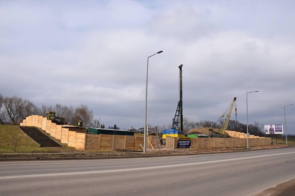 Івано-Франківськ: як проходить будівництво моста на Пасічну (фоторепортаж)