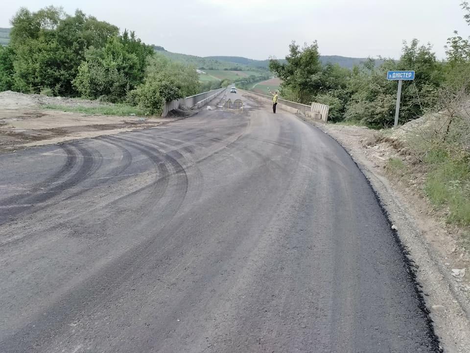 Триває ремонт дороги Татарів – Камянець-Подільський (фоторепортаж)