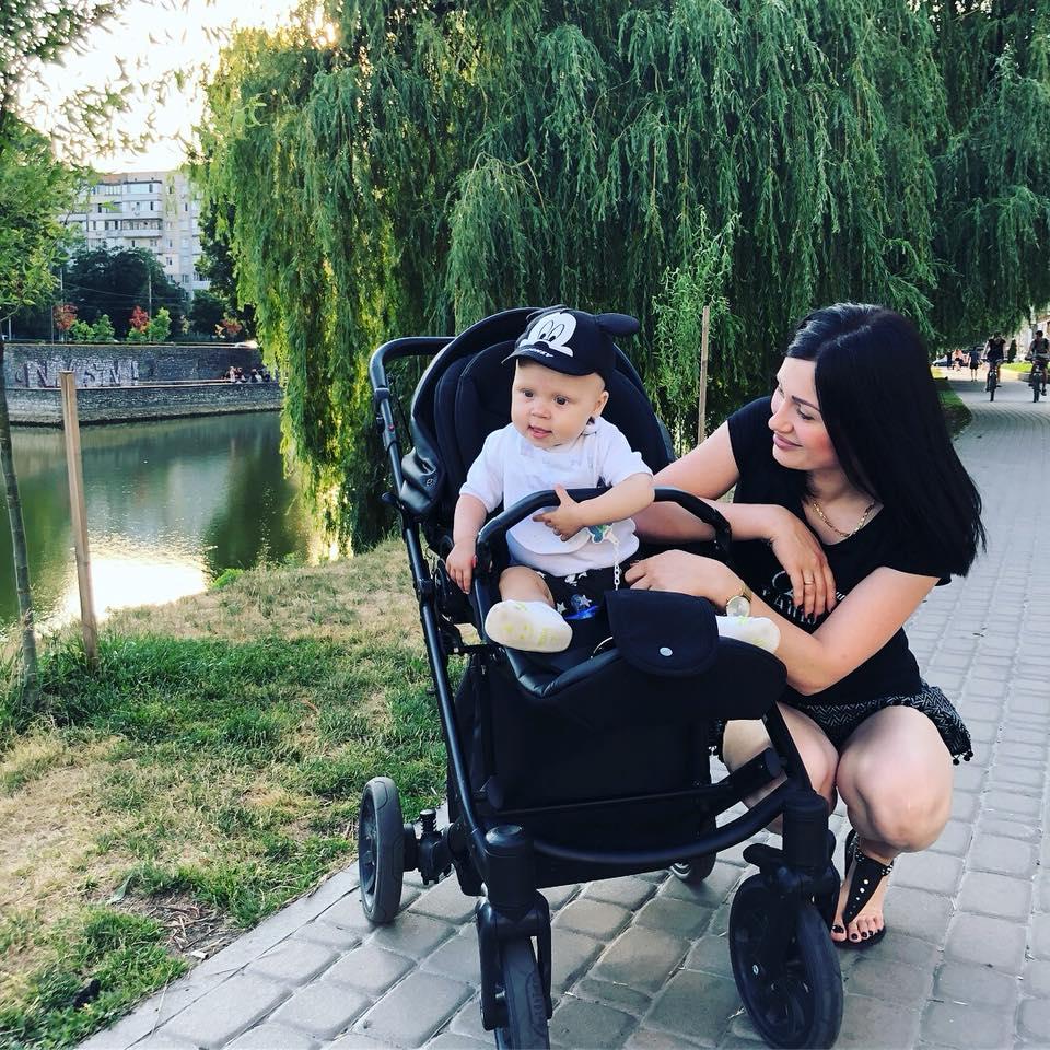 """В дружини футболіста """"Прикарпаття"""" Романа Бочкура діагностували рак. Сім'я також бореться із онкологією малесенького сина"""