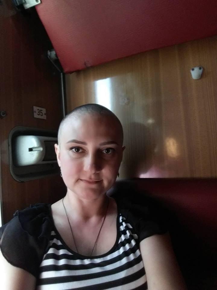 Прикарпатців закликають допомогти жінці подолати рак (фото)