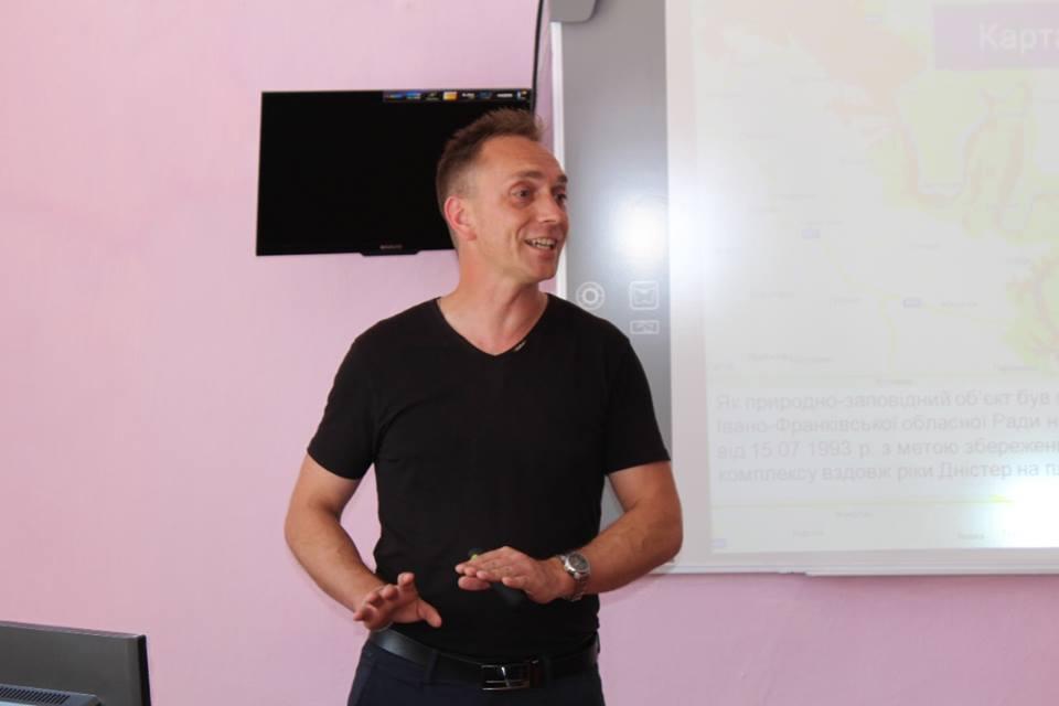 """Проект """"Рятувальники для природи"""": на Тлумаччині обговорили екологічні проблеми (фотофакт)"""