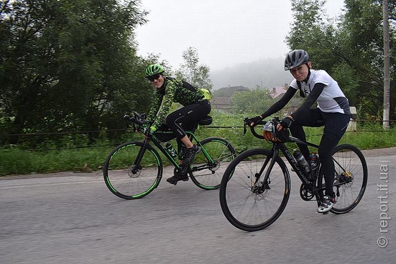 Відчайдухи мріють про Париж – франківські велосипедисти готуються до заїзду на 1200 км (фоторепортаж)
