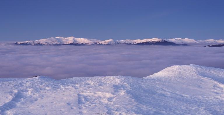Фотографи поділилися враженнями від зимового походу Карпатами (фоторепортаж)