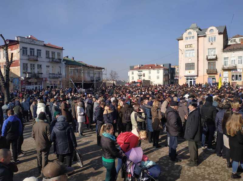 В Калуші очікують на Президента (фото+відео)