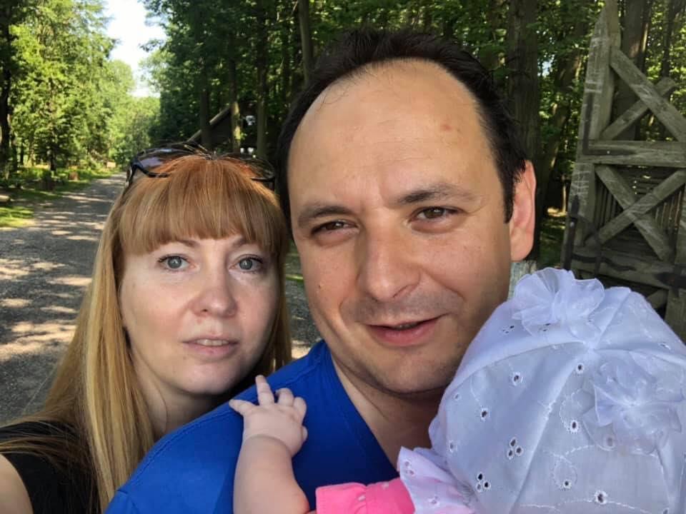 Руслан Марцінків похвалився, що його маленька донечка вже мандрує Прикарпаттям  (фотофакт)